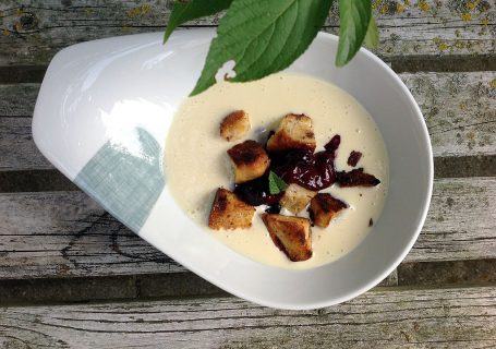 Marzipan-Beerensuppe