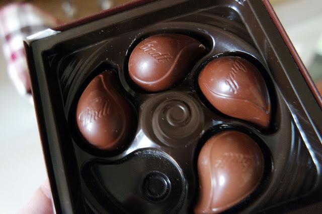 Schokoladenverführung von Lindt als Pralines und Tafeln
