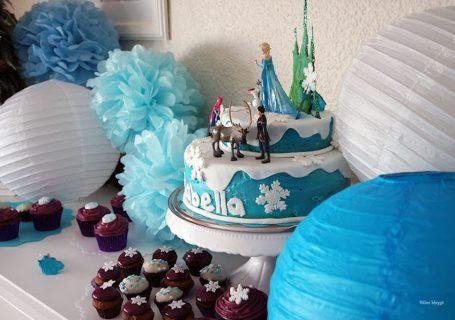 Frozentorte mit Elsafigur