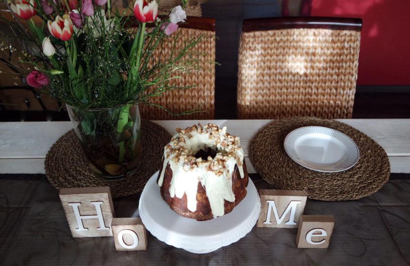Nusskuchen mit Schokoladenüberzug