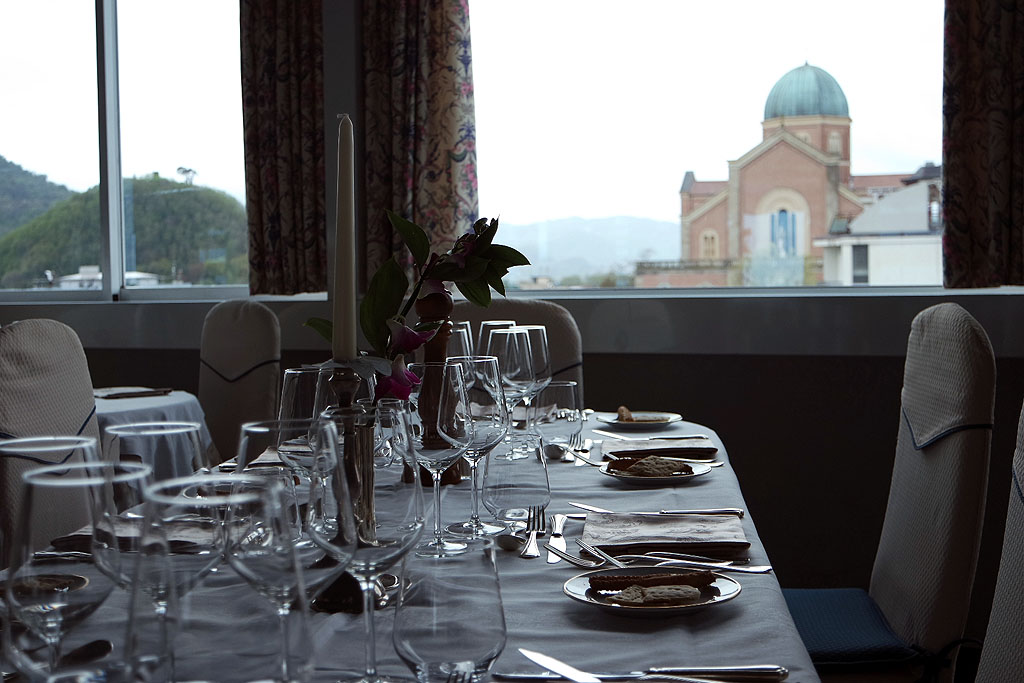 Blick auf Montegrotto aus dem Restaurant