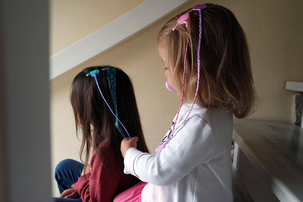 farbige Haarsträhnen