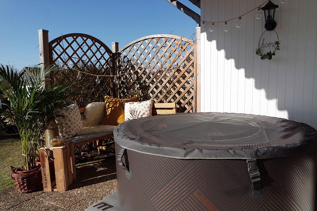 Terrasse mit MSpa Mono Whirlpool