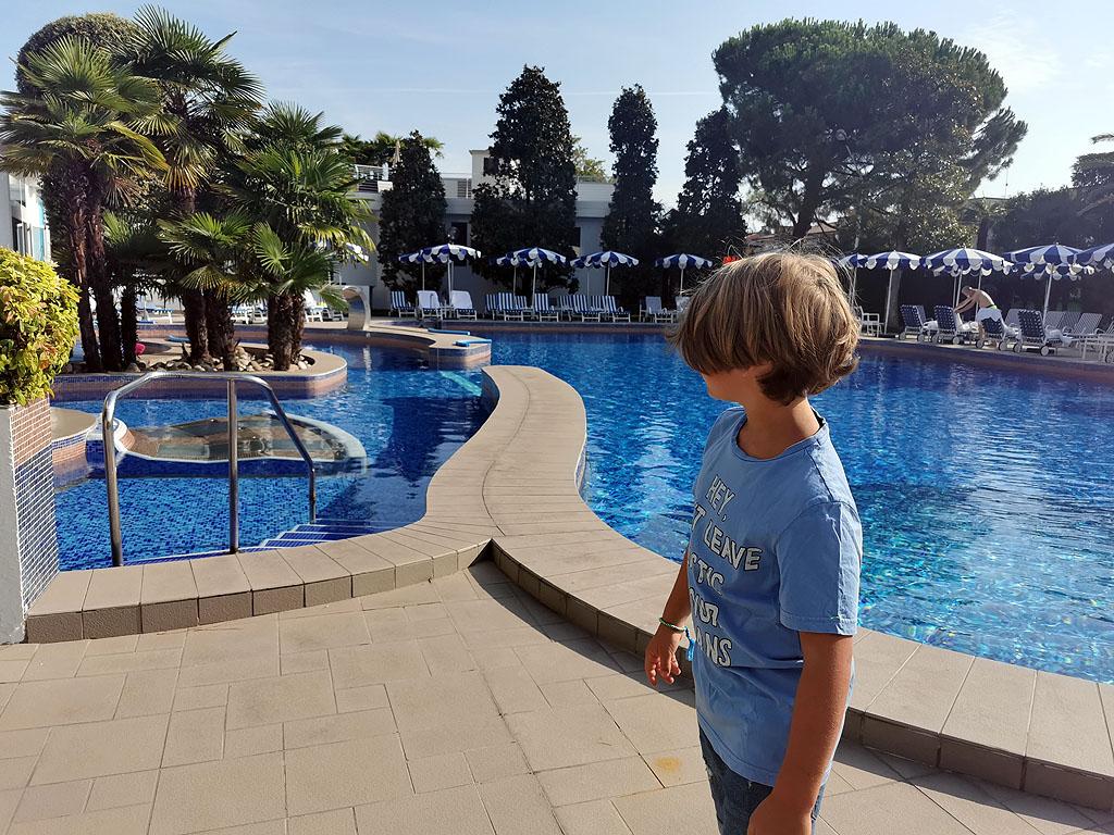 Poolbereich im Grand Hotel Terme&Spa