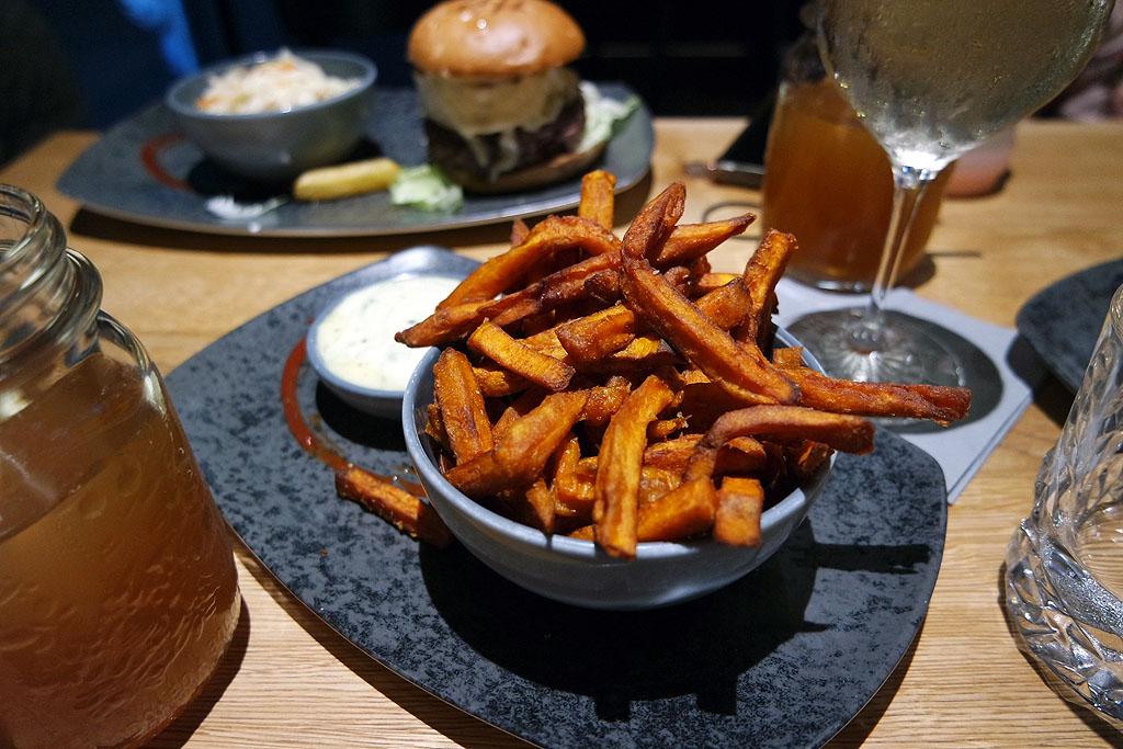 Essen im Backwood Burger in Bad Sachsa